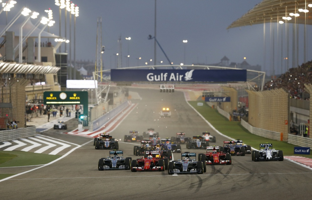 Photo: Formel 1, 2015, Bahrain, Start
