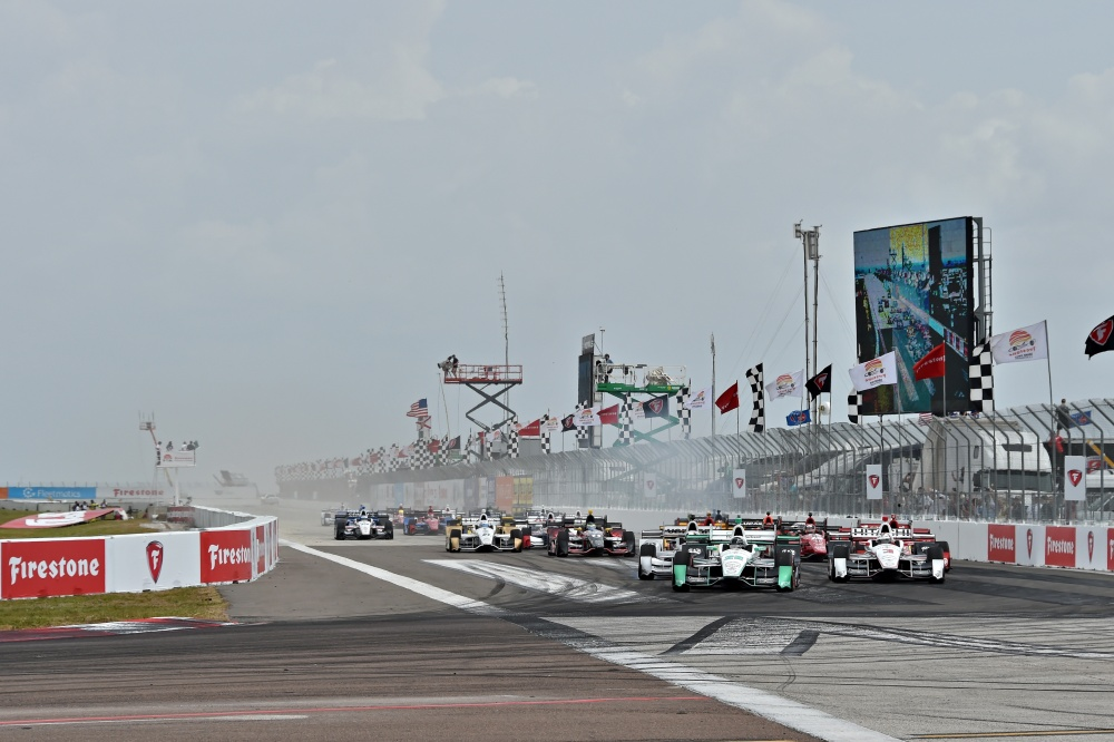 Photo: IndyCar, 2016, St.Pete, Start