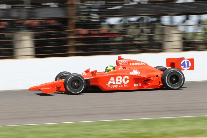 Photo: Bruno Junqueira - A.J. Foyt Enterprises - Dallara IR-05 - Honda