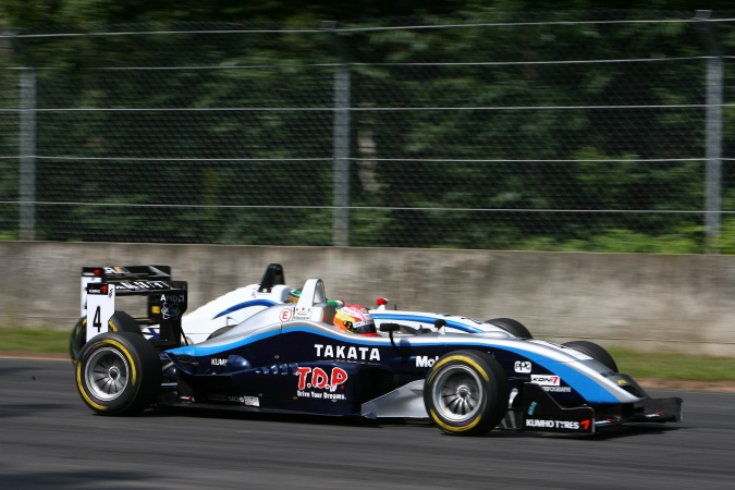 Photo: Kamui Kobayashi - ASM - Dallara F305 - AMG Mercedes