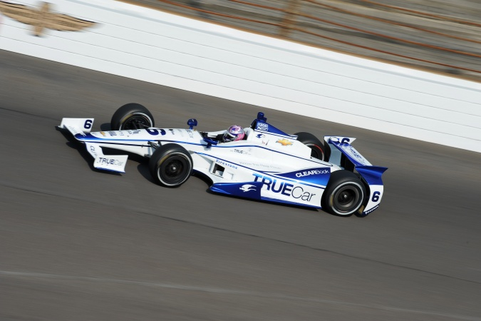 Photo: Katherine Legge - Dragon Racing - Dallara DW12 - Chevrolet