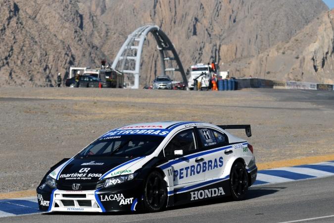 Leonel pern a renault team argentinian super tc 2013 for V8 honda civic