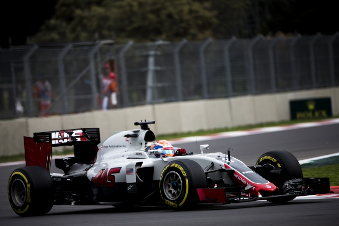 Photo: Romain Grosjean - Haas F1 Team - Haas VF16 - Ferrari