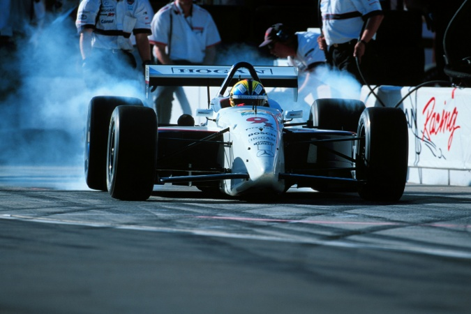 Photo: Helio Castroneves - Hogan Racing - Lola B99/00 - Mercedes