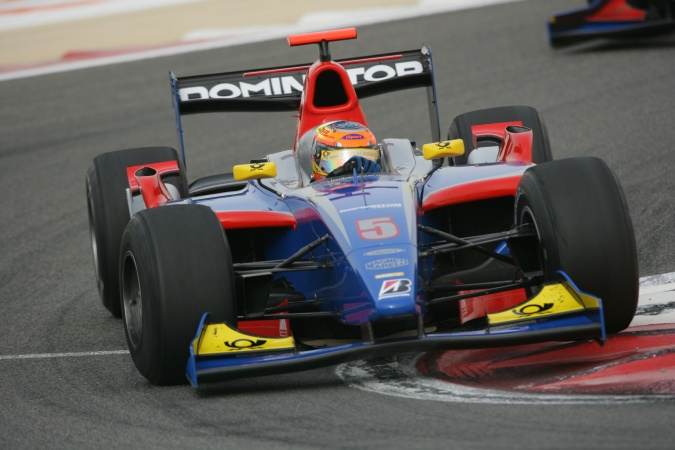 Photo: Timo Glock - iSport International - Dallara GP2/05 - Renault