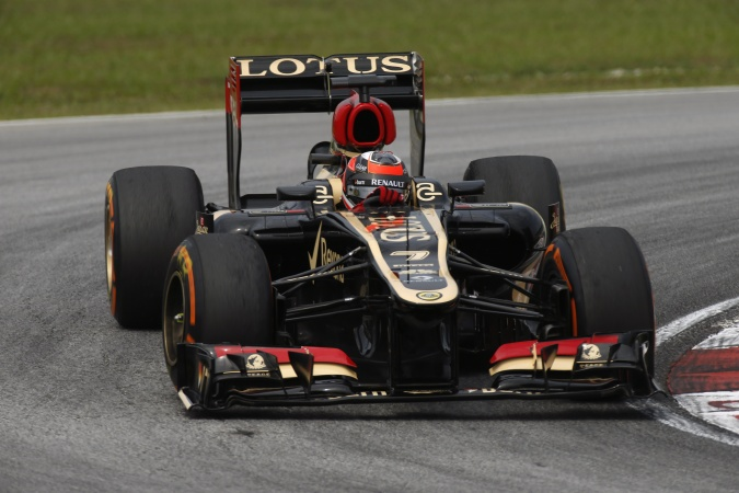Photo: Kimi Räikkönen - Lotus F1 Team - Lotus E21 - Renault