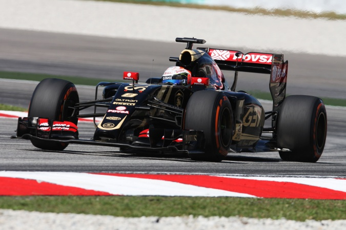 Photo: Romain Grosjean - Lotus F1 Team - Lotus E23 - Renault