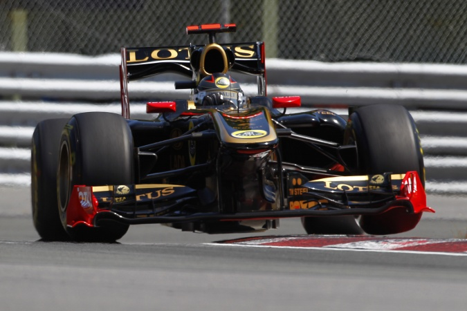 Photo: Nick Heidfeld - Lotus Renault GP - Renault R31