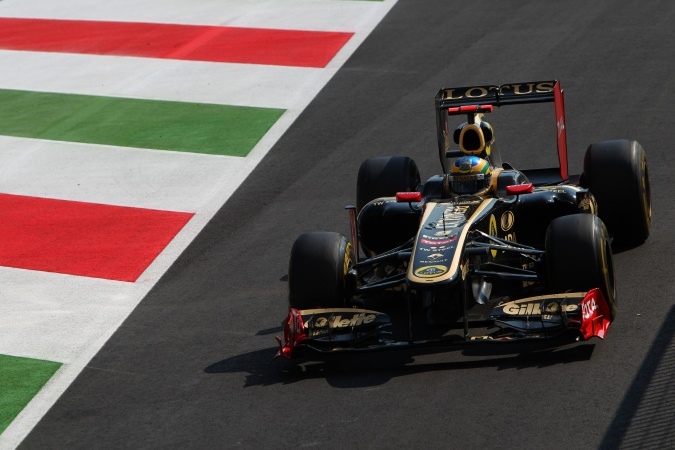 Photo: Bruno Senna - Lotus Renault GP - Renault R31