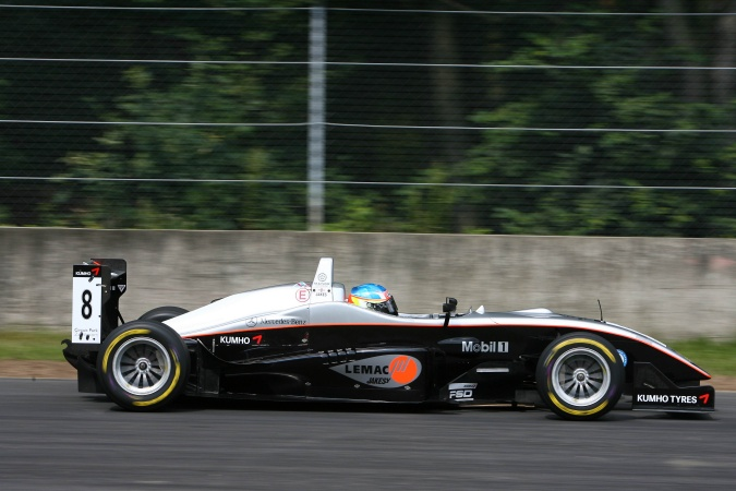 Photo: James Jakes - Manor Motorsport - Dallara F305 - AMG Mercedes