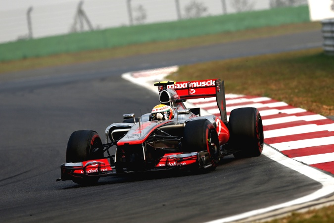Photo: Lewis Hamilton - McLaren - McLaren MP4-27 - Mercedes