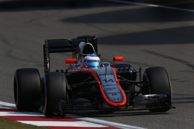 Photo: Fernando Alonso - McLaren - McLaren MP4-30 - Honda