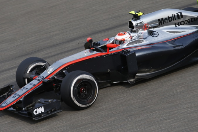 Photo: Jenson Button - McLaren - McLaren MP4-30 - Honda
