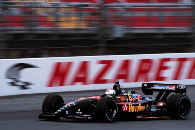 Photo: Michael Andretti - Newman/Haas Racing - Lola B2K/00 - Ford