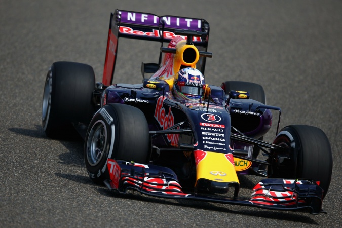 Photo: Daniel Ricciardo - Red Bull Racing - Red Bull RB11 - Renault