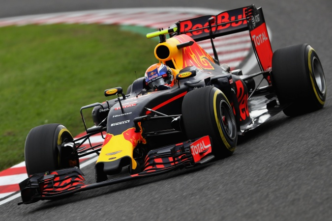 Photo: Max Verstappen - Red Bull Racing - Red Bull RB12 - TAG