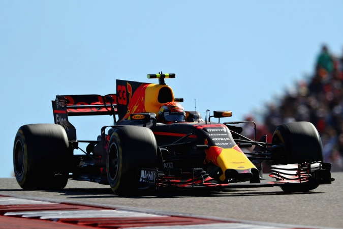 Photo: Max Verstappen - Red Bull Racing - Red Bull RB13 - TAG