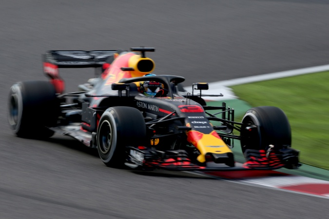 Photo: Daniel Ricciardo - Red Bull Racing - Red Bull RB14 - TAG