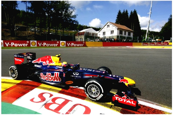 Photo: Mark Webber - Red Bull Racing - Red Bull RB8 - Renault