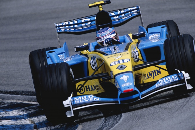 Photo: Jarno Trulli - Renault F1 Team - Renault R23