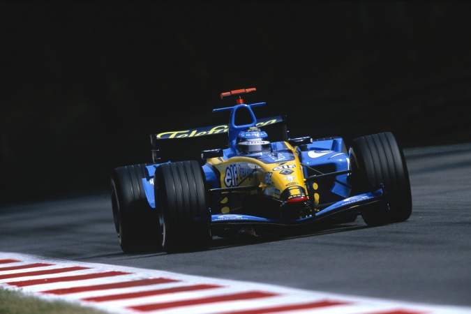 Photo: Jarno Trulli - Renault F1 Team - Renault R24