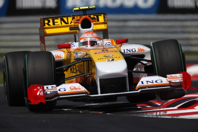 Photo: Nelson Angelo Piquet - Renault F1 Team - Renault R29