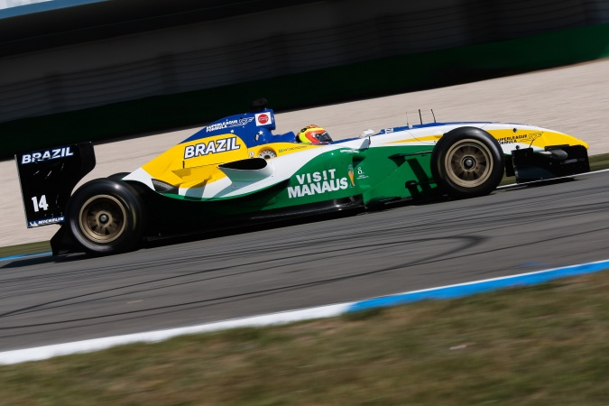 Photo: Antonio Pizzonia - SF Team Brazil (Alan Docking Racing) - Panoz DP09B - Menard