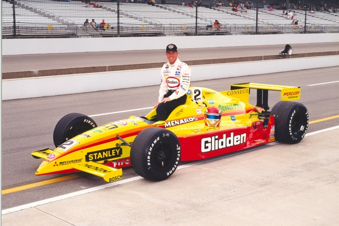 Photo: Greg Ray - Team Menard - Dallara IR7 - Oldsmobile