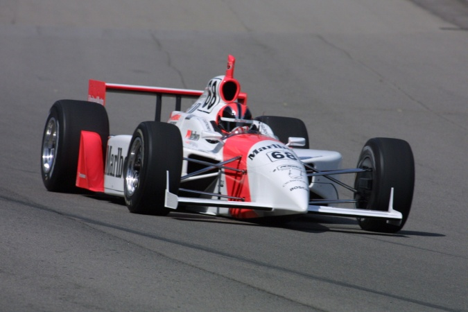 Photo: Helio Castroneves - Team Penske - Dallara IR-01 - Oldsmobile
