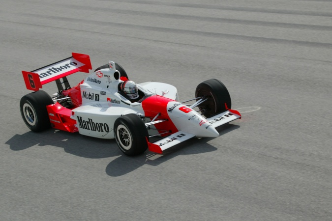 Photo: Gil de Ferran - Team Penske - Dallara IR-02 - Chevrolet