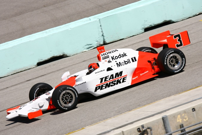 Photo: Helio Castroneves - Team Penske - Dallara IR-05 - Honda