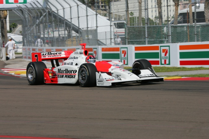 Photo: Helio Castroneves - Team Penske - Dallara IR-05 - Toyota