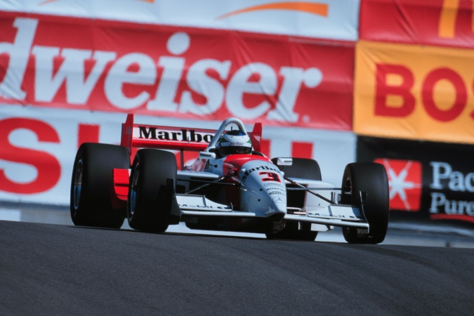 Photo: Gonzalo Rodriguez - Team Penske - Lola B99/00 - Mercedes