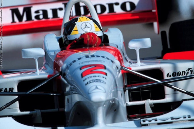 Photo: Tarso Marques - Team Penske - Penske PC27B - Mercedes