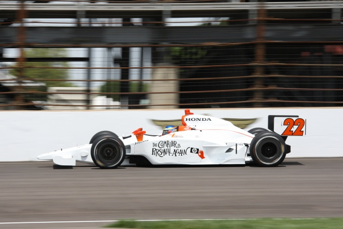Photo: Davey Hamilton - Vision Racing - Dallara IR-05 - Honda