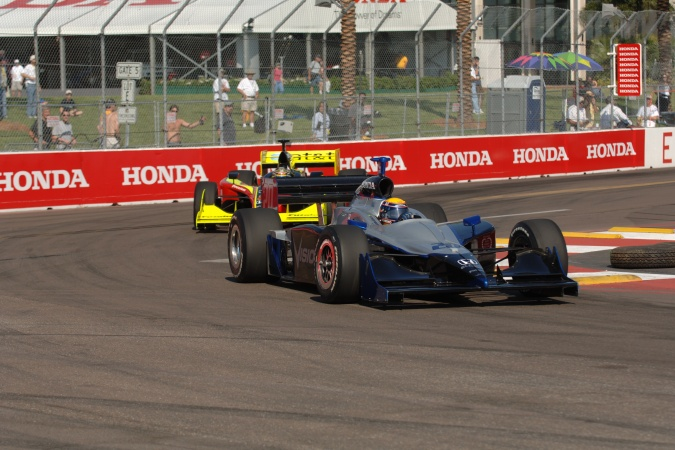 Photo: Roberto Moreno - Vision Racing - Dallara IR-05 - Honda