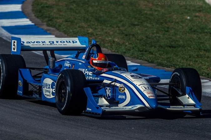 Photo: Bryan Herta - Walker Racing - Reynard 2Ki - Honda