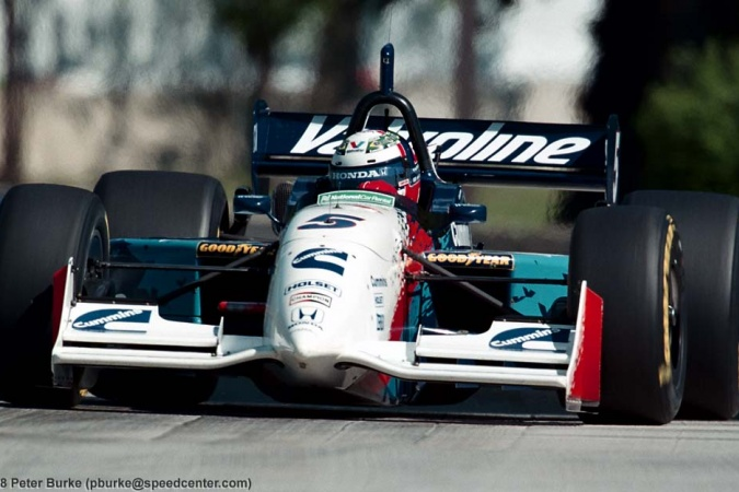 Photo: Gil de Ferran - Walker Racing - Reynard 98i - Honda