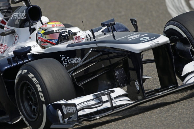 Photo: Pastor Maldonado - Williams - Williams FW35 - Renault