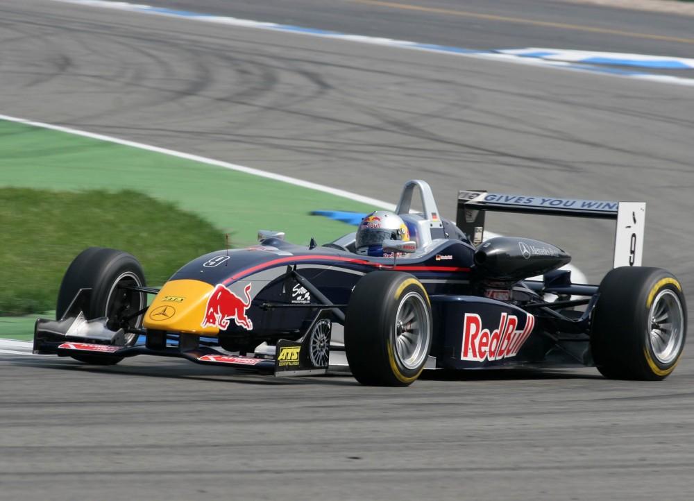 muecke-motorsport-dallara-f305-amg-mercedes-vettel-8140.jpg